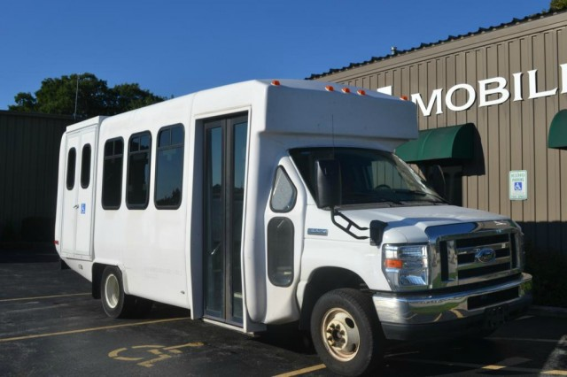 Bus For Sale: 2010 Ford Econoline E350 - Diamond Coach -